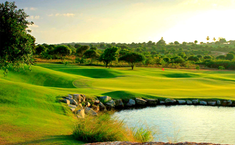 DAY 4 - LEISURE OR OPTIONAL PLAY GOLF AT VIPINGO RIDGE